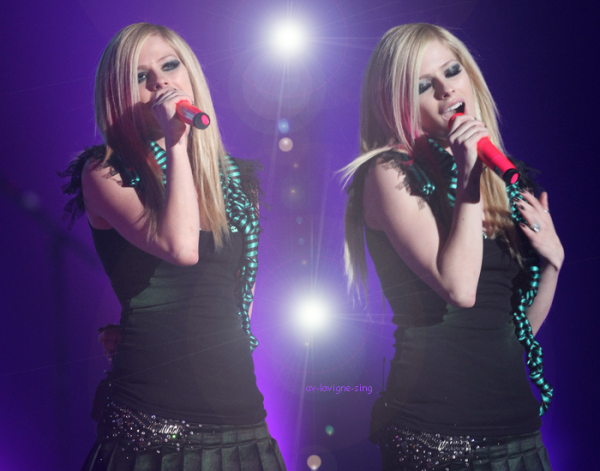 Bienvenue sur Av-Lavigne-Sing !!