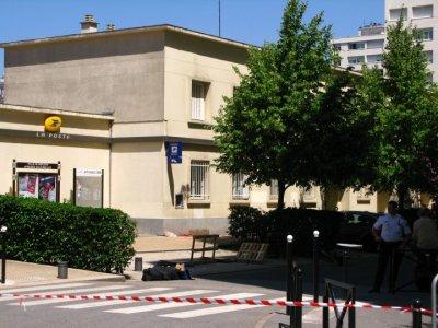 Fait divers : Attaque à l'explosif d'un DAB à Meudon