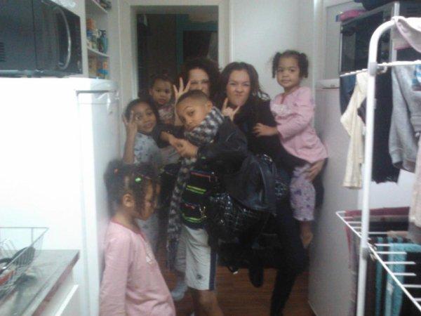 *   La Famille *