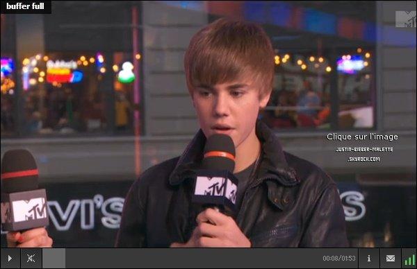 . Justin dans  The Seven  .