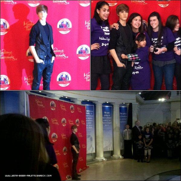 . Justin Bieber avec ses fans devant son hôtel à Londres :.  Hier, My World Tourest passé parLondresAprès le spectacle desfans attendaient devant sonhôtel. Justin, qui portait un pullsYoung Money Cash Money milliardaires(YMCMB) était super souriant. .