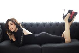 Julianna Margulies canapé