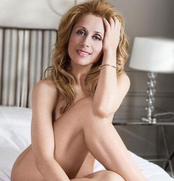 lara qui pose nue pour un magasine