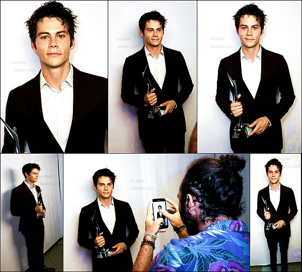 "Ancienne apparition de Dylan lors des "" Young Hollywood Awards "" en juillet 2014."
