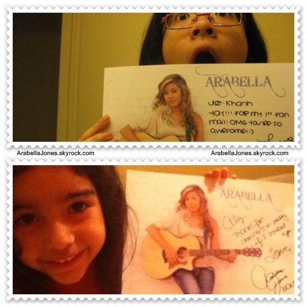 Des fans contentes d'avoir des autographes :)