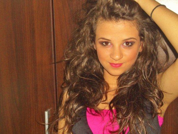 Katia-Love-x3