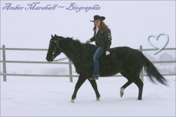 < Amber Marshall ~ Amy Fleming Biographie >