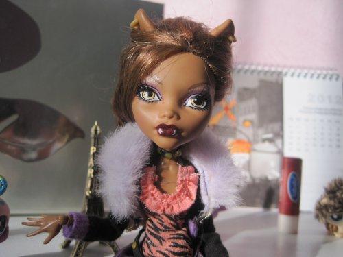 Presentation de ma dollz house avec Lola