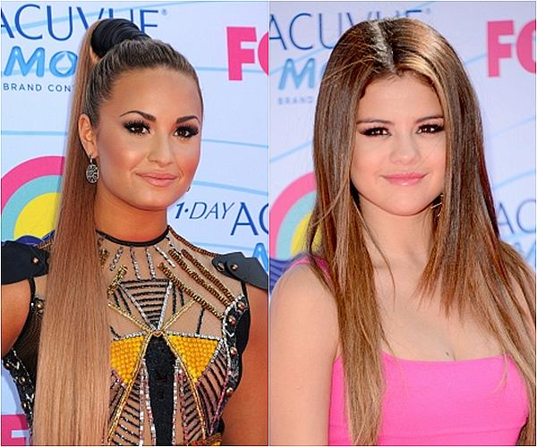 .#1 SONDAGE   • Demi Lovato VS Selena Gomez !    .
