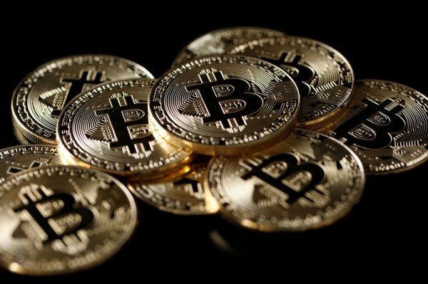 Le Bitcoin recule face à l'interdiction de la publicité pour les cryptos par Bing