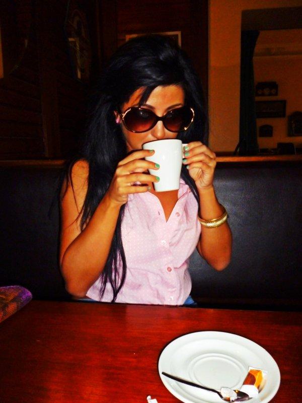 Katsya au café