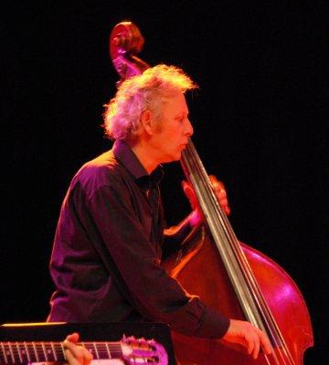 alexandre furnell.....contrebassiste professeur d'armonie et de guitare