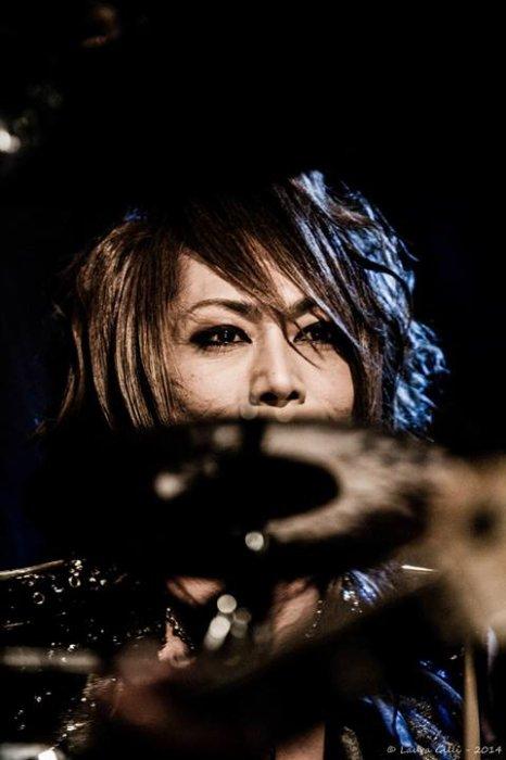 yuki-versailles un blog rempli de petit scénario entre les membre de Jupiter, Kamijo, X Japant d'autre artistes en gest