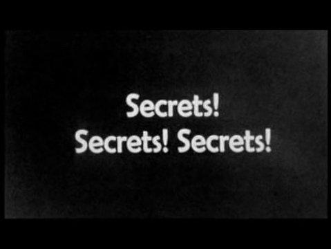 Les secrets sont des piments sur le bout de la langue.   Tôt ou tard ils mettent la bouche en feu.