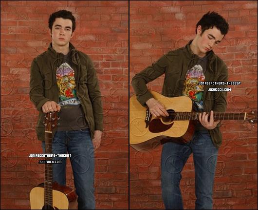 Photos 2006 Je vous présente des photos de Kevin Jonas, photographiée par « Carmen Portelli for PR »
