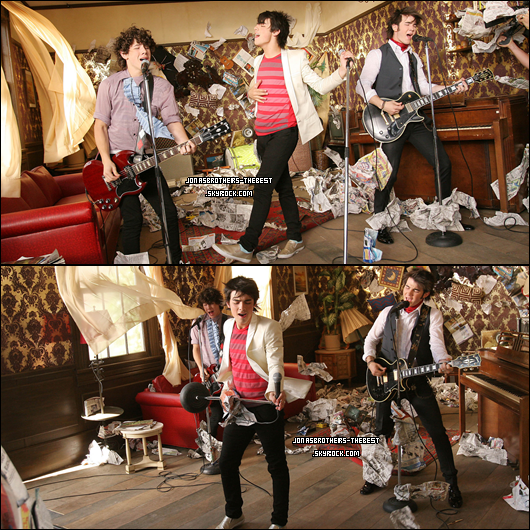 19/04/07 Je vous présentes des photos du clip « Hold On », photographiée par « Hold On Video Shoot by Clark Samuels »