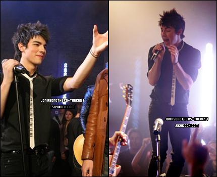 Photos 2007 Je vous présente des photos des Jonas Brothers, du clip « Kids Of The Futur », photographiée par « un photographe professionelle » dont je n'ai pas réussis à trouver le nom et le prénom :/