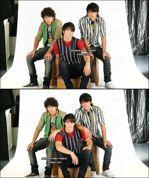 Photos 2007 Je vous présente des photos des Jonas Brothers, photographiée par  « Rena Durham for Tiger Beat »