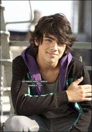 Photos 2007 Je vous présente des photos de Joe Jonas, photographiée par « John Mckee for PR Purposes »