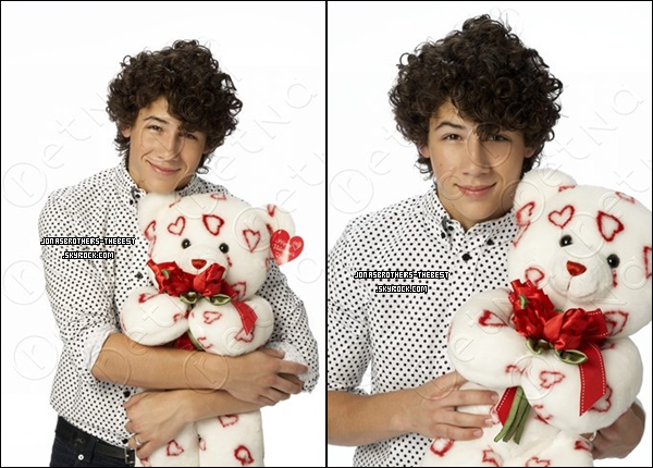 Photos 2007 Je vous présente des photos de Nick Jonas, photographiée par « John Mckee for PR Purposes »