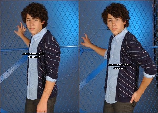 Photos 2007 Je vous présente des photoshoots de Nick Jonas, photographiée par « Anthony Catujar »
