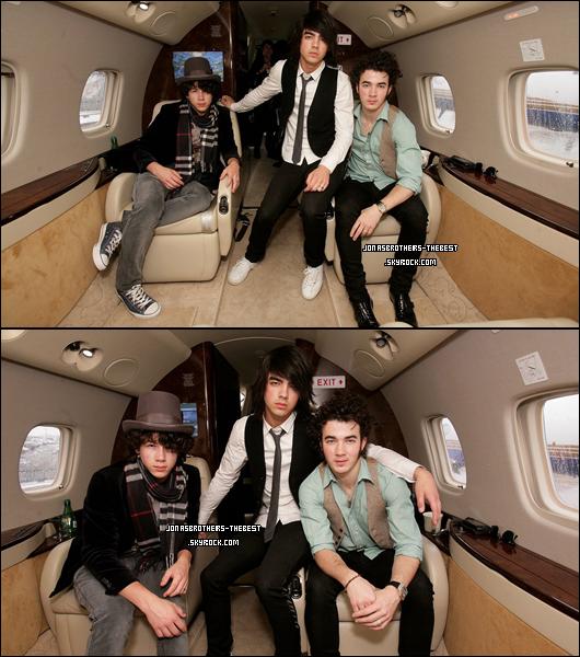Photos 2008 Je vous présente des photoshoots des Jonas Brothers, photographiée par « Dave Hogan for PR »