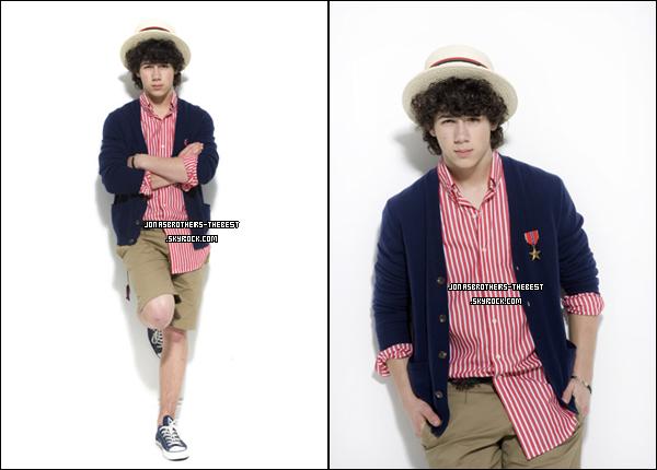 Photos 2008 Je vous présente trois photoshoots de Nick Jonas, photographiée  par « Mike Ruiz for Teen Magazine »