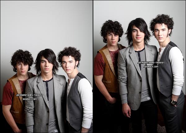 10/03/2008 Je vous présente des photoshoots des Jonas Brothers,  photographiée par « Dave Hogan for PR »