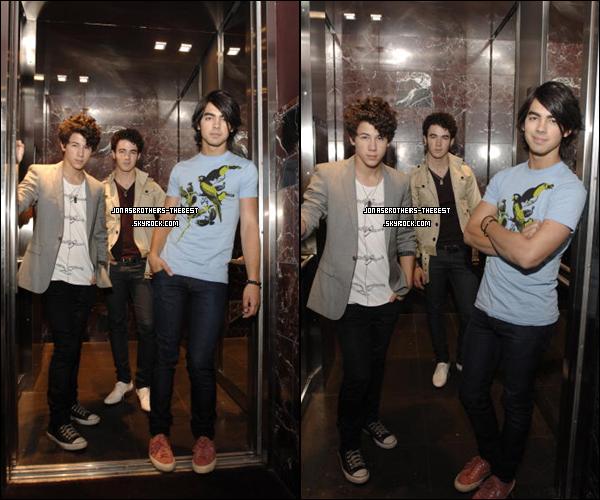 Photos 2008 Je vous présente des photos des Jonas Brothers, photographiée  par « Unknown Germany Portraits for PR »