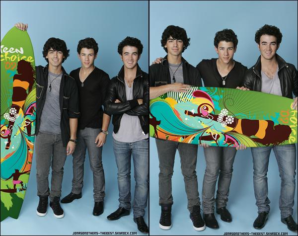 Photos 2009 Je vous présente des photoshoots des Jonas Brothers, photographiée  par « Todd Plitt for Teen Choice 2009  »