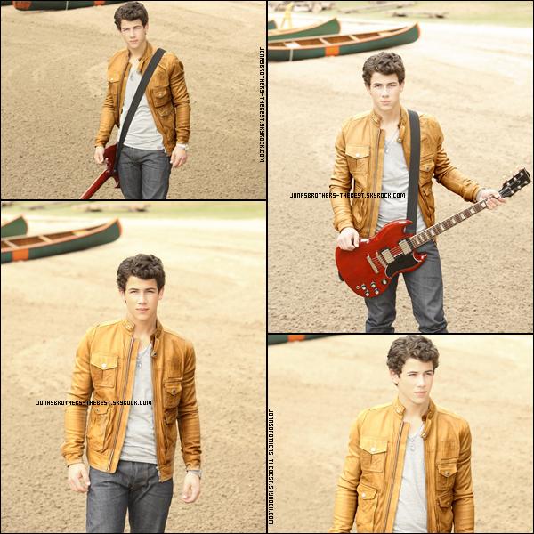 Photos 2010 Je vous présente des photos de Nick Jonas, photographiée par un photographe dont je n'ai pas trouver le nom :/