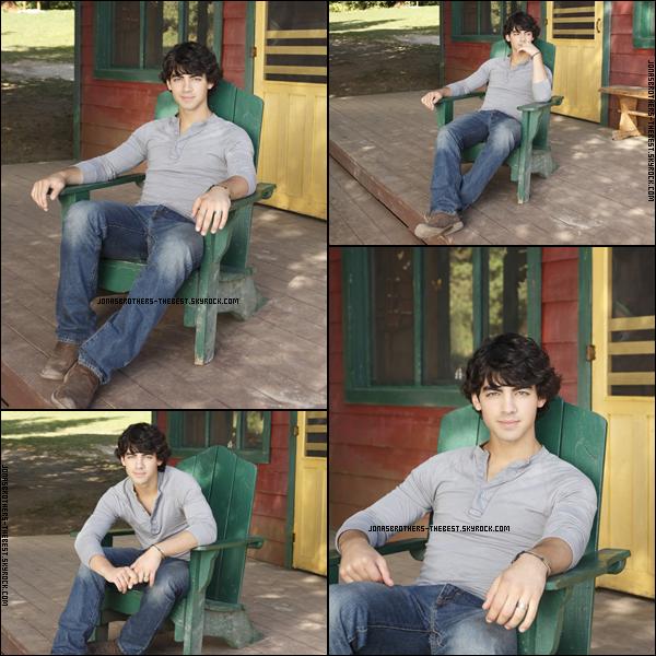 Photos 2010 Je vous présente des photoshoots de Joe Jonas, photographiée par un photographe dont je n'ai pas trouver le nom :/