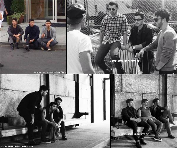 """Photos 2013 Je vous présente des photohoots des Jonas Brothers , photographiée par Walden Brothers pour l'album """" First Time """""""
