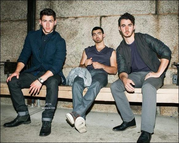 Photos 2013 Je vous présente des photoshoots des Jonas Brothers, photographiée par Steven Taylor