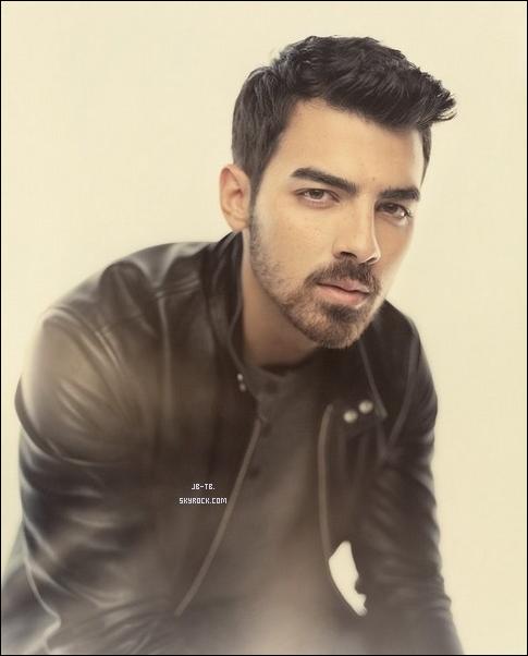 Photos 2013 Je vous présente trois photoshoots de Joe Jonas, photographiée par Andrea Konrath  pour New York Magazine