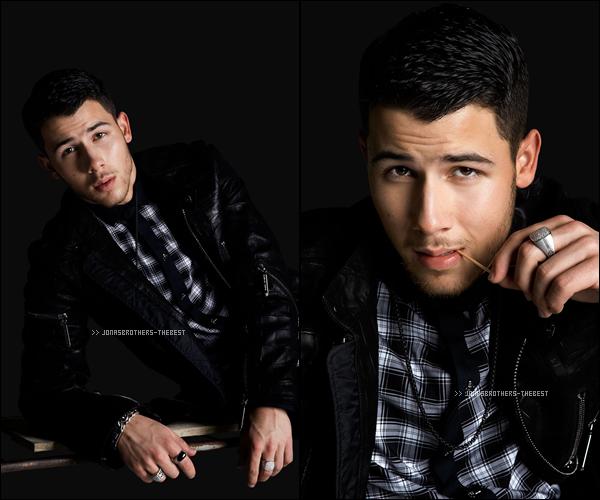 """Photos 2014 Je vous présente des photos de Nick Jonas, photographiée pour """"Kode Magazine"""""""