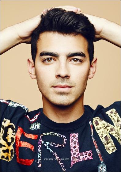 """Photo 2016 Je vous présente une photos de Joe Jonas, photographiée par Juco  pour """"iHeart Music Festival portraits"""""""