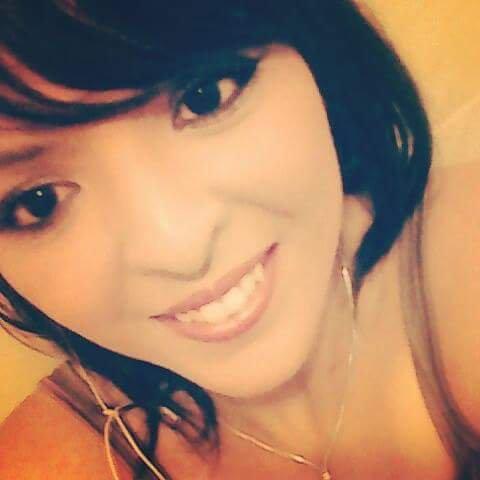 Je suis une femme souriante à la vie. 😘😘😘