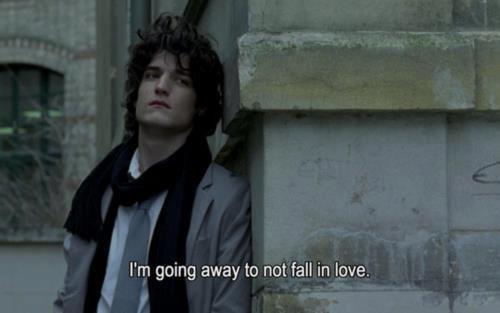 Même si tu revenais, je crois bien que rien n'y ferait. Notre amour est mort à jamais. Je souffrirai trop si tu revenais.