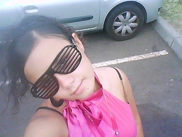 moi en lunette!!!!!!!!!!!!