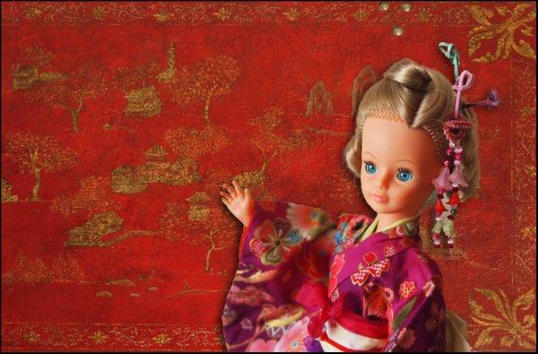 Une blonde en kimono