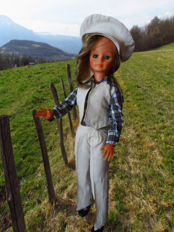 Cathie en promenade à la campagne