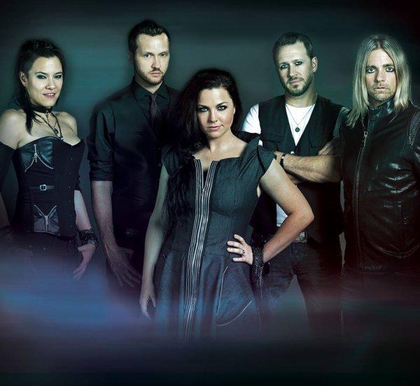 Jen Majura avant Evanescence