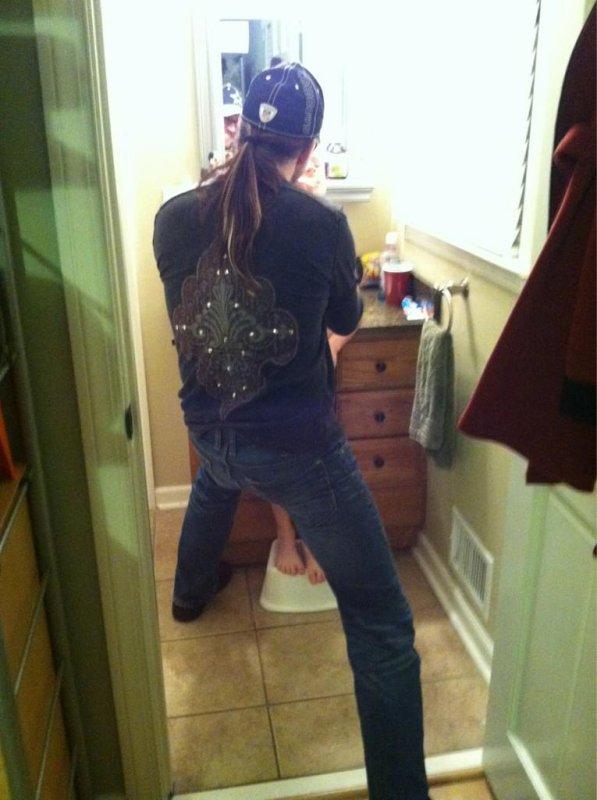 Merci à Lightning-xAmyLee de m'avoir aidé pour l'habillage :)