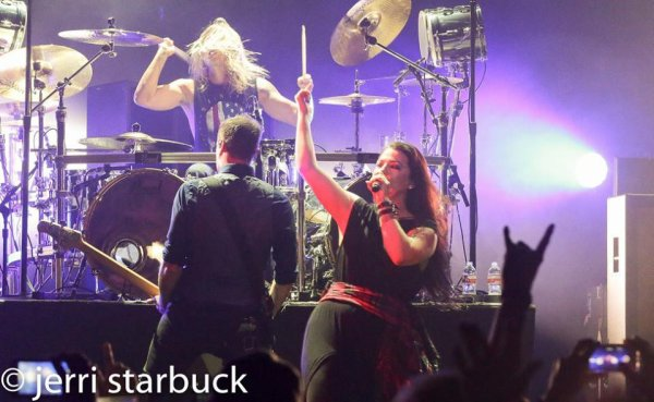 Review : Evanescence - The Moody Theater Austin /TX 01/11/16 Partie IV