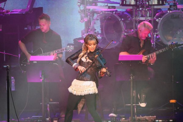 Review : SynthesisLive/Ft Lindsey Stirling - Kansas City 06/07/18 Partie III