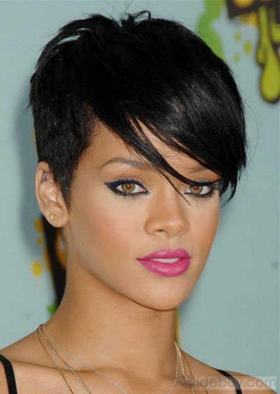 Rihanna cheveux NoOOir-raide :)
