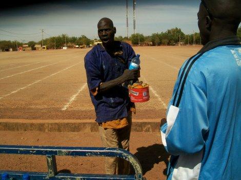 Repas de noel pour les malades mentaux à Ouahigouya / Burkina Faso