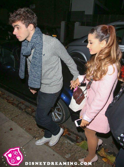 Nathan et Ariana en couple
