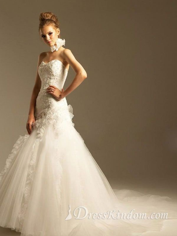 stunning a-line organza hall wedding dress